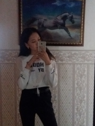 laura_px