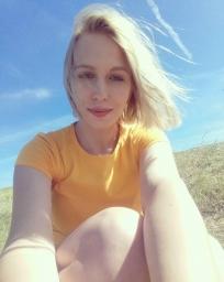 polina_swan_art
